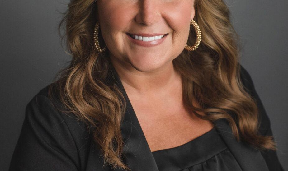 Leslie Ikerd Headshot